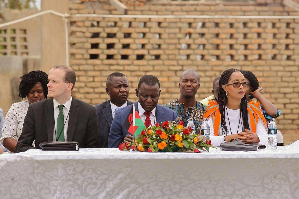 Photo de groupe : avec la Vice-Présidente de la CEDEAO, les partenaires du BIT et les bénéficiaires et la délégation du NEPAD au YES Forum organisé dans le cadre de la Global Entrepreneurship Week à Dakar, novembre 2018