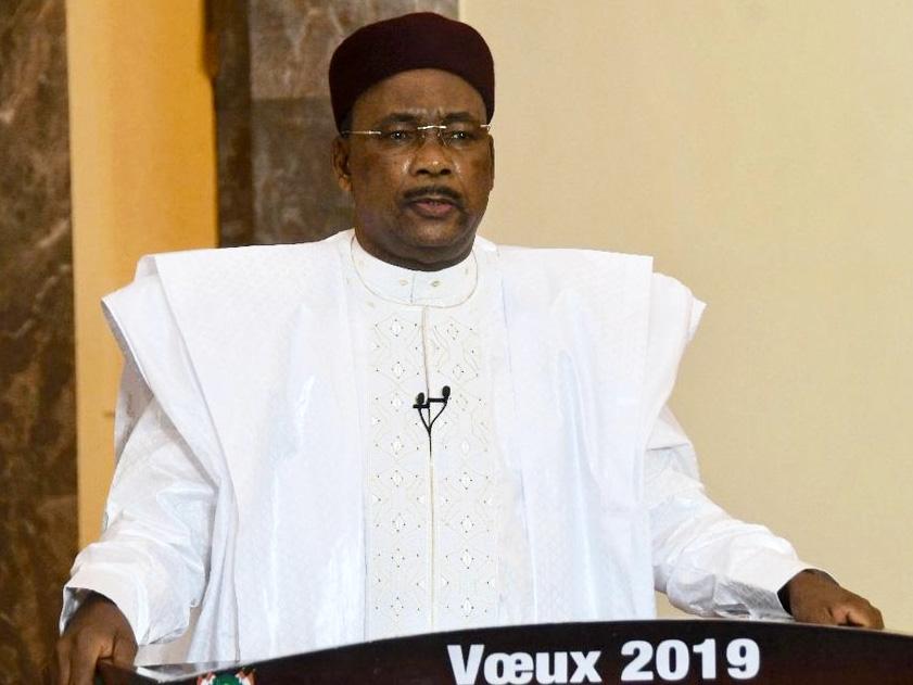 """Lettre au """"président de la République"""" Monsieur le """"Président"""" Le Niger est mal gouverné et vous comprendrez sans doute que je lui souhaite, en ce début de nouvel an, une meilleure gouvernance."""