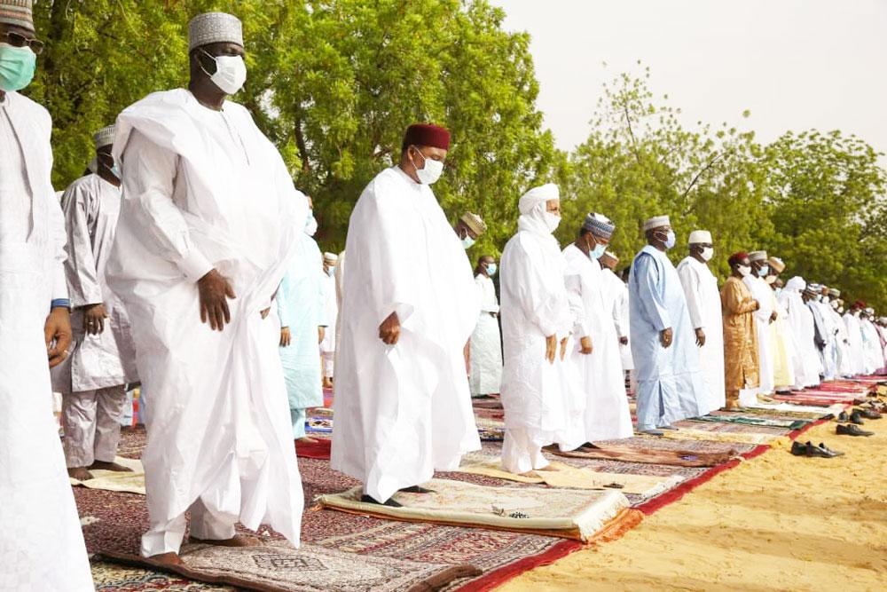 Célébration de l'Aïd El-Fitr: prière dans la ferveur et le respect des mesures de barrière contre la propagation du virus COVID-19