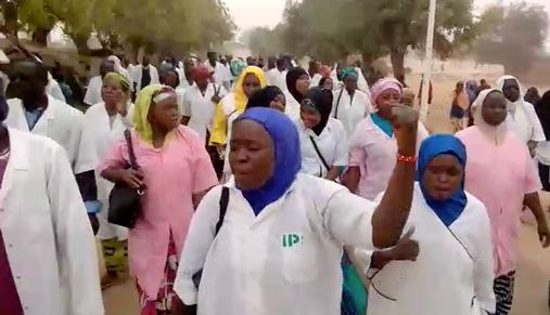 Marche en région des agents de santé