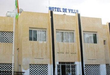 """Résultat de recherche d'images pour """"hotel de ville niamey"""""""