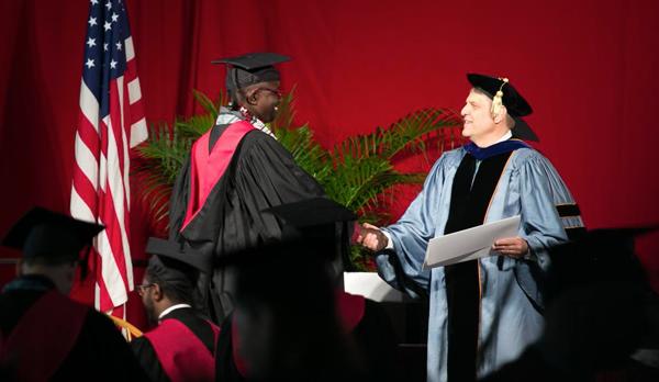 Un Nigérien de plus diplômé de Harvard : Créer au Niger une université à l'image des meilleures écoles au monde